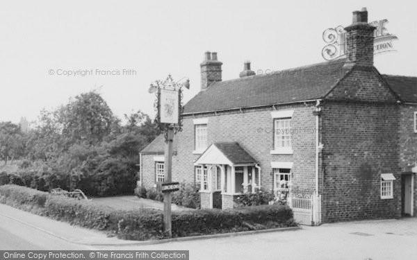 Photo of Willaston, Horseshoe Inn c.1965
