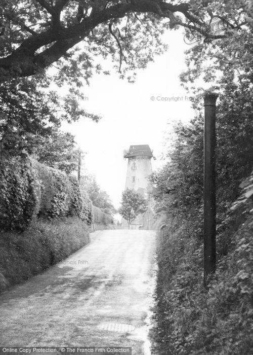 Photo of Willaston, Mill Lane c.1960