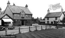 Willaston, The Nags Head Inn c.1955