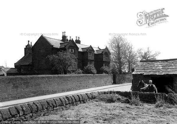 Photo of Willaston, The Old Hall And Smithy c.1940