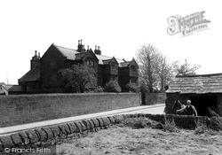 The Old Hall And Smithy c.1940, Willaston