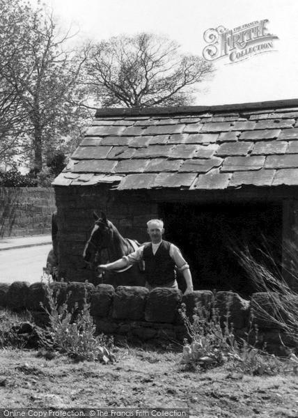 Photo of Willaston, The Smithy c.1940