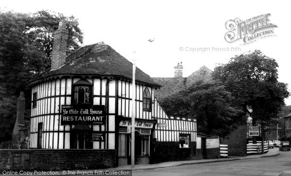 Photo of Willenhall, Ye Olde Toll House c.1965