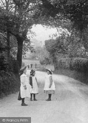 Country Girls 1909, Willesborough