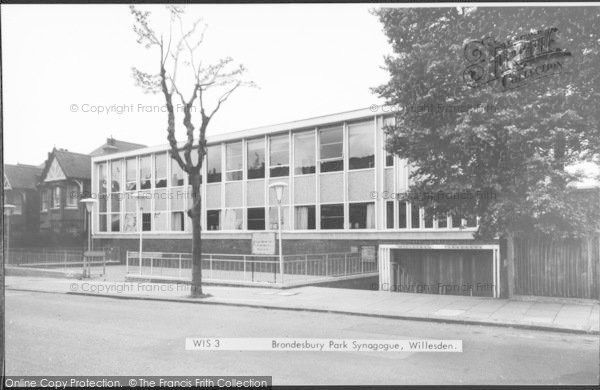 Photo of Willesden, Brondesbury Park Synagogue c.1965