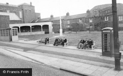 Albion Square c.1955, Willington