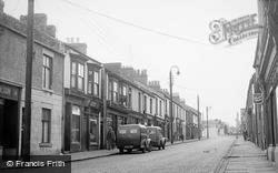 Commercial Street c.1955, Willington