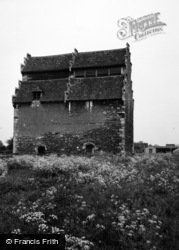 Willington, Dovecote 1954