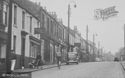 Queens Head Hotel, High Street c.1955, Willington