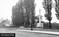 The Memorial c.1955, Willington