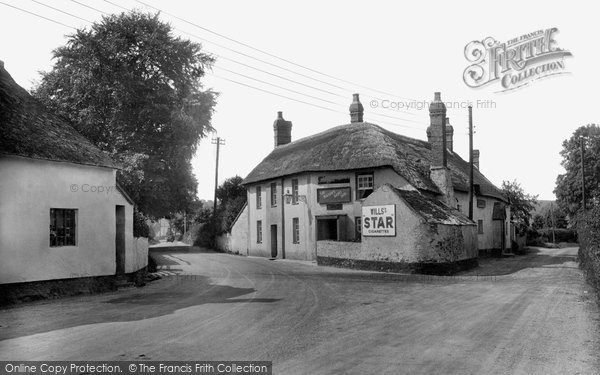 Photo of Williton, The Masons Arms 1929