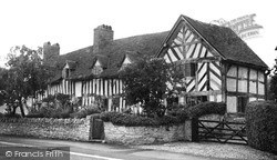 Wilmcote, Mary Arden's House (Now Palmer's Farm)  c.1955