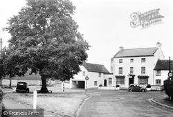 Wilmcote, The Green And Swan Guest House c.1955