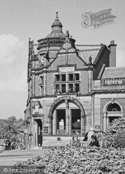 Wilmslow, Barclays Bank c.1955