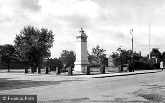 Wilmslow, the War Memorial c1955