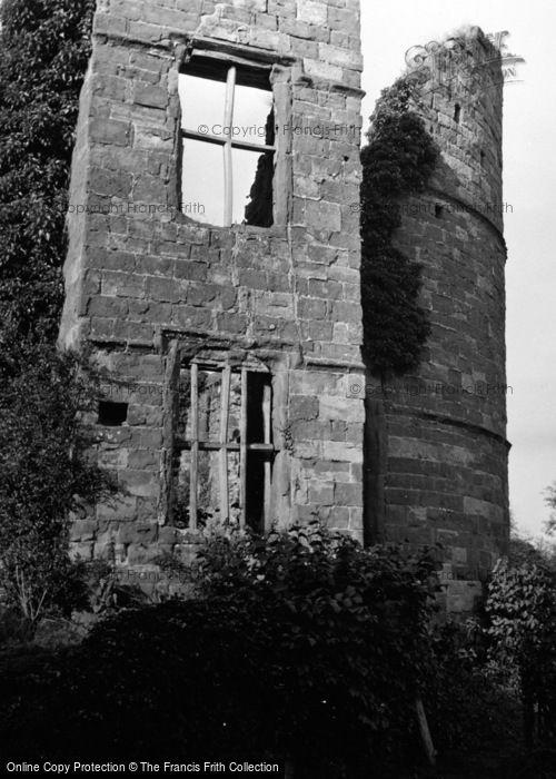 Photo of Wilton, Castle 1951