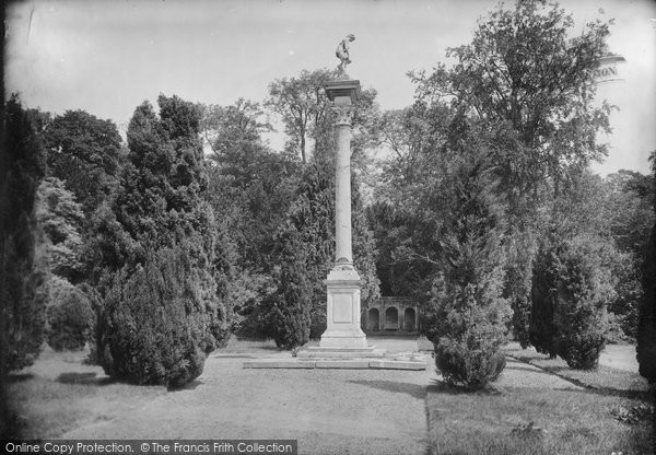 Photo of Wilton, Park, The Column 1919
