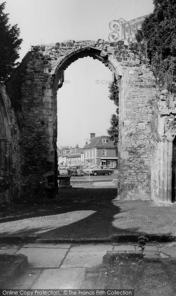 Photo of Wilton, St John's Square c.1965
