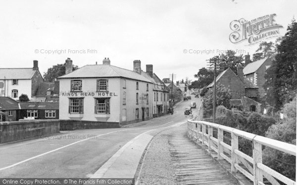 Photo of Wilton, The King's Head Hotel From The Bridge c.1955