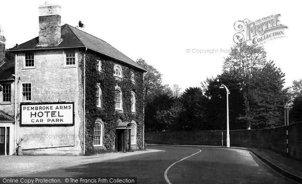 Photo of Wilton, The Pembroke Arms Hotel c.1955