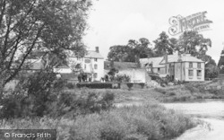 The River Wye And King's Head Hotel c.1955, Wilton