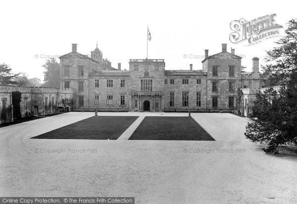 Photo of Wilton, Wilton House, Front Entrance 1919