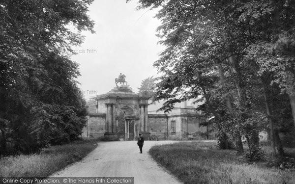 Photo of Wilton, Wilton House Gateway 1919