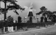 Wimbledon, Common, The Windmill c.1960