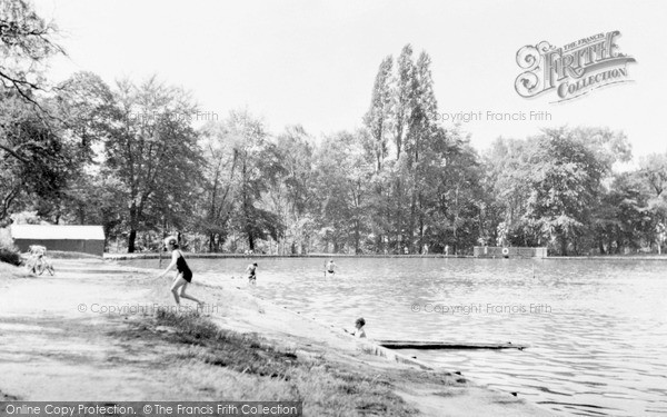 Photo of Wimbledon, Queensmere, The Common c.1955