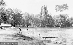 Queensmere, The Common c.1955, Wimbledon