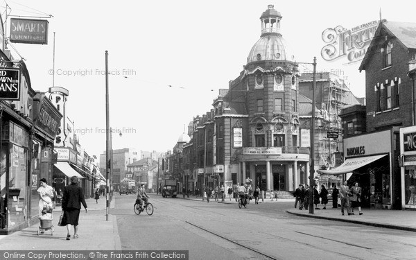 Photo of Wimbledon, The Broadway c.1952
