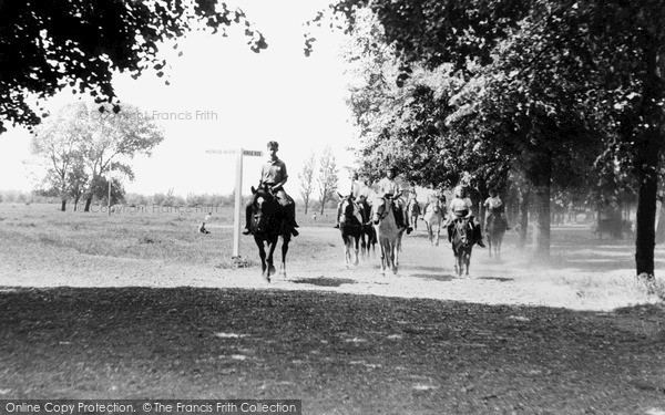Photo of Wimbledon, The Horse Walk, The Common c.1955