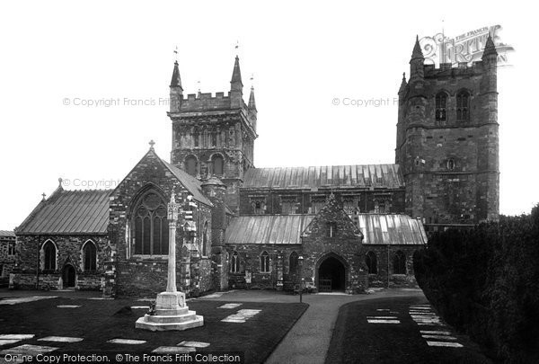 Photo of Wimborne, Minster, North Side 1923
