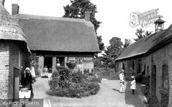 Wimborne, St Margaret's Chapel And The Almshouses 1908, Wimborne Minster