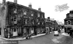 Wimborne, The King's Head c.1960, Wimborne Minster
