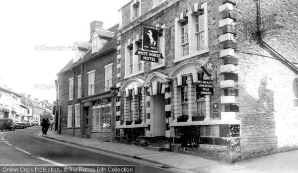 Photo of Wincanton, The White Horse Hotel c.1960
