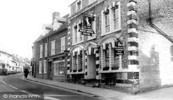 Wincanton, The White Horse Hotel c.1960