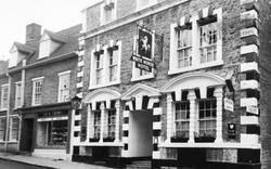 Wincanton, White Horse Hotel c.1960