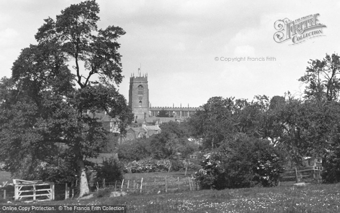 Photo of Winchcombe, St Peter's Church c.1955