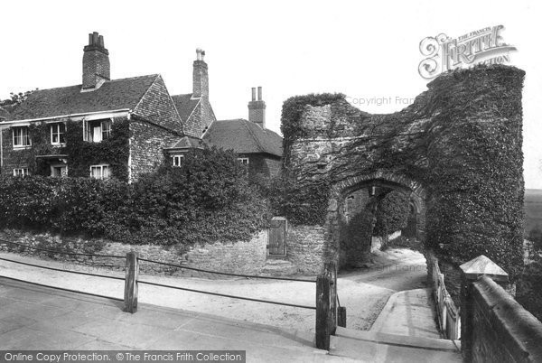 Photo of Winchelsea, Strand Gate And Ellen Terry's Cottage 1906