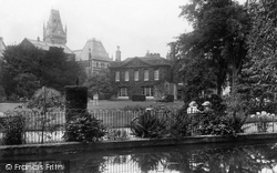 Winchester, Abbey Gardens 1923