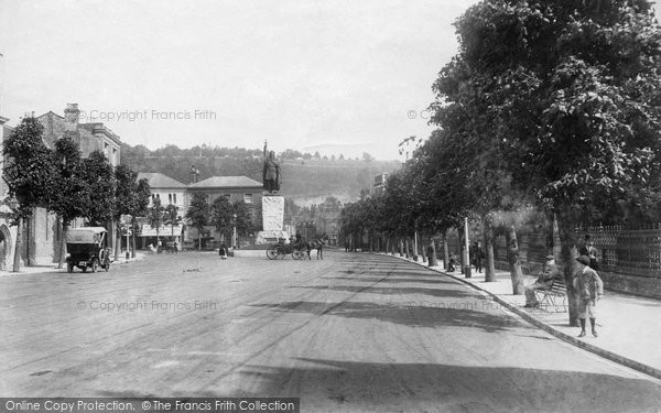 Photo of Winchester, Broadway And The Alfred Statue 1909