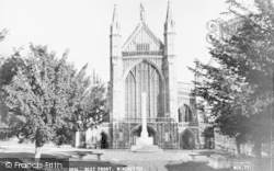 Winchester, Cathedral, West Front c.1960