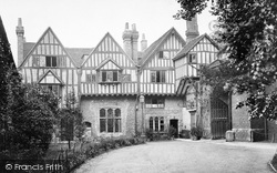 Winchester, Cheyney Court And The Priory Gate c.1920