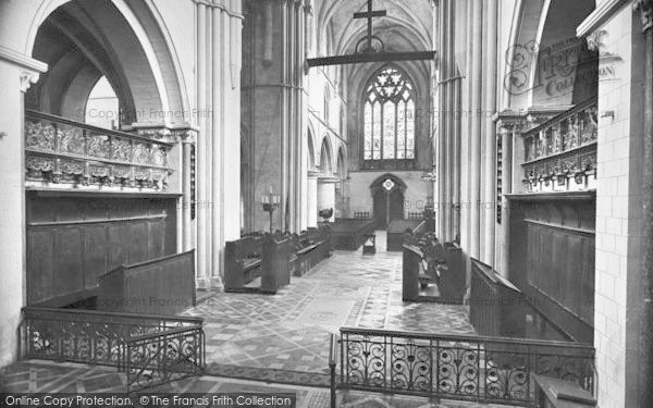 Photo of Winchester, Church Of St Cross, Nave West 1928