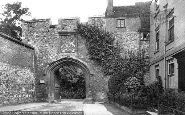 Photo of Winchester, Close Gate 1911