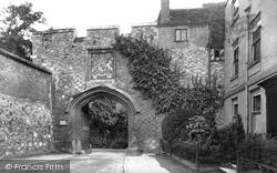 Winchester, Close Gate 1911