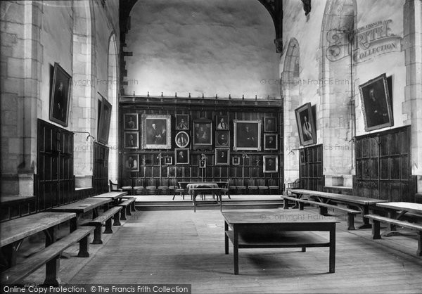 Photo of Winchester, College, Hall 1910