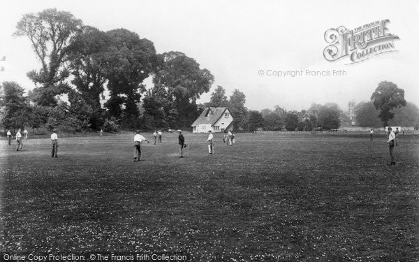 Photo of Winchester, College, Ridding Field 1919