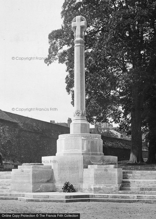Photo of Winchester, County War Memorial 1922